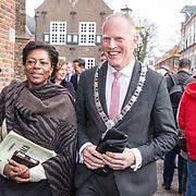 NLD/Naarden/20180330 - Matthaus Passion in de grote kerk van Naarden 2018, Joyce Sylvester en burgemeester Han ter Heegde