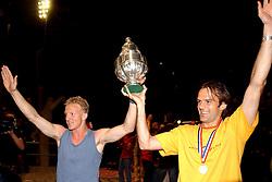 02-06-2003 NED: Huldiging bekerwinnaar FC Utrecht, Utrecht<br /> De spelers en de technische staf kregen een rondrit door de stad in een open Engelse dubbeldekker. Om 20.30 uur keert de stoet terug in Galgenwaard en zal in het stadion de officiële huldiging plaatsvinden / Dirk Kuyt, Igor Gluscevic