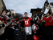 ATHENS, GA - NOVEMBER 23:  Quarterback Aaron Murray #11 of the Georgia Bulldogs walks in his final Dawg Walk before the game against the Kentucky Wildcats at Sanford Stadium on November 23, 2013 in Athens, Georgia.  (Photo by Mike Zarrilli/Getty Images)