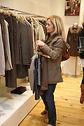 Mariella Tholstrup, Comptoir des Cotonniers shop opening. Westbourne Grove. London. 25 October 2006. -DO NOT ARCHIVE-© Copyright Photograph by Dafydd Jones 66 Stockwell Park Rd. London SW9 0DA Tel 020 7733 0108 www.dafjones.com
