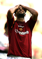 Fotball 2004/2005<br /> Foto: SBI/Digitalsport<br /> NORWAY ONLY<br /> <br /> Roma v Palermo<br /> 24/10/2004<br /> <br /> Ahmed Hossam Mido