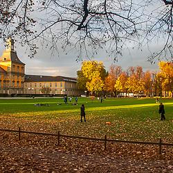 Parque Hofgarten fotografado em Colônia, na Alemanha. Registro feito em 2009.<br /> ⠀<br /> <br /> <br /> ENGLISH: Hofgarten park photographed Cologne, Germany. Picture made in 2009.