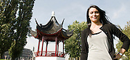 Nederland, Rotterdam, 20100922..Bergamin & Gielink pensioenrechtadvies B.V..Lisna Dadang Hanapi.Chinese pagode onder de Euromast