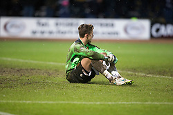 Motherwell's keeper Dan Twardzik er Dundee's fourth gaol. <br /> Dundee 4 v 1 Motherwell, SPFL Premiership played 10/1/2015 at Dundee's home ground Dens Park.
