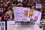 DESCRIZIONE : Venezia Lega A 2014-15 Umana Venezia-Grissin Bon Reggio Emilia  playoff Semifinale gara 5<br /> GIOCATORE :Tifosi Umana Venezia<br /> CATEGORIA : Tifosi<br /> SQUADRA : Umana Venezia<br /> EVENTO : LegaBasket Serie A Beko 2014/2015<br /> GARA : Umana Venezia-Grissin Bon Reggio Emilia playoff Semifinale gara 5<br /> DATA : 07/06/2015 <br /> SPORT : Pallacanestro <br /> AUTORE : Agenzia Ciamillo-Castoria /GiulioCiamillo<br /> Galleria : Lega Basket A 2014-2015 Fotonotizia : Reggio Emilia Lega A 2014-15 Umana Venezia-Grissin Bon Reggio Emilia playoff Semifinale gara 5<br /> Predefinita :