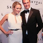 NLD/Amsterdam/20121028 - Inloop premiere nieuwe James Bond film Skyfall , Tess Milne en broer