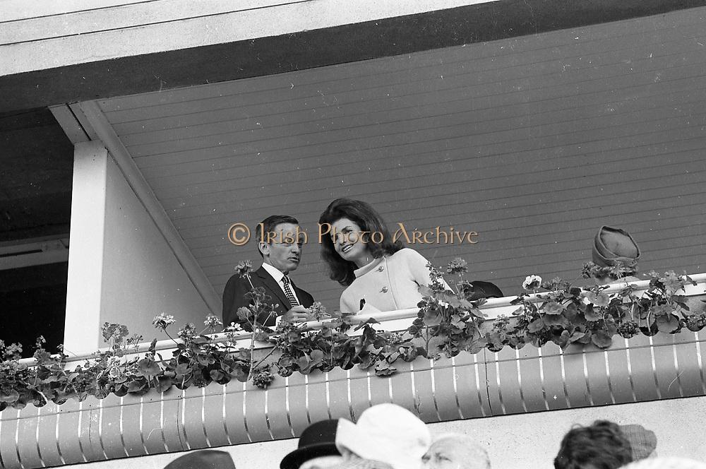 Irish Derby 1967 Jackie Kennedy, Widow Of JFK Ní Onaiss