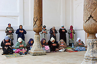 Ouzbekistan, Boukhara, patrimoine mondial de l Unesco, mosquee de Bakhouddin Nakchbandi, lieu sacré soufi, prière // Uzbekistan, Bukhara, Unesco world heritage, Bahouddin Naqshbandi mosque, sufi spirituel memorial, prayer
