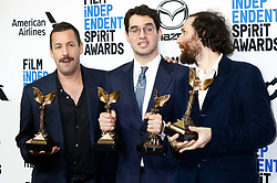 February 9, 2020, Santa Monica, Kalifornien, USA: Adam Sandler, Benny Safdie, Josh Safdie (beste Regie und bester Hauptdarsteller 'Der schwarze Diamant / Uncut Gems') beim Photocall mit den Preisträgern der 35. Verleihung der Film Independent Spirit Awards 2020 im Zelt am Santa Monica Beach. Santa Monica, 08.02.2020 (Credit Image: © Future-Image via ZUMA Press)