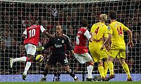 Photo: Paul Thomas.<br /> Arsenal v Liverpool. The Barclays Premiership. 12/11/2006.<br /> <br /> William Gallas (10) scores for Arsenal.