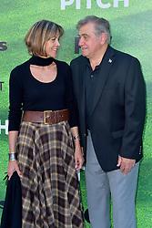 September 13, 2016 - Los Angeles, Kalifornien, USA - Wendie Malick und Dan Lauria bei der Premiere der FOX TV-Serie 'Pitch' auf dem West LA Little League Field. Los Angeles, 13.09.2016 (Credit Image: © Future-Image via ZUMA Press)