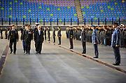 Nederland, Arnhem, 21-5-2010In het Gelredome kregen 1500 militairen van de ISAF, de troepen in Afghanistan, een onderscheiding uitgereikt door minister van defensie Eimert van Middelkoop en brigade generaal, opperbevelhebber der strijdkrachten van Uhm.Foto: Flip Franssen/Hollandse Hoogte