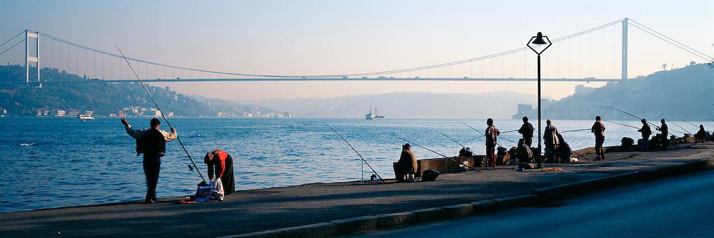 TURKEY, ISTANBUL, BOSPHORUS Fatih Bridge; suspension bridge