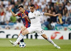 27-04-2011 VOETBAL: SEMI FINAL CL REAL MADRID - FC BARCELONA: MADRID<br /> Alvaro Arbeloa against Pedro Rodriguez<br /> *** NETHERLANDS ONLY***<br /> ©2011-FH.nl-nph/ Alvaro Hernandez