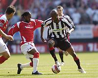 Photo: Olly Greenwood.<br />Charlton Athletic v Sheffield United. The Barclays Premiership. 21/04/2007. Charlton's Alexandre Song tackles Sheffield United's Luton Shelton