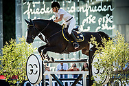 Paris, France : Edwina Tops-Alexander riding Cinsey during the Longines Paris Eiffel Jumping 2018, on July 5th to 7th, 2018 at the Champ de Mars in Paris, France - Photo Christophe Bricot / ProSportsImages / DPPI