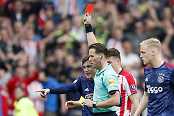 (L-R) Nico Tagliafico of Ajax, referee Danny Makkelie, Santiago Arias of PSV, Donny van de Beek of Ajax during the Dutch Eredivisie match between PSV Eindhoven and Ajax Amsterdam at the Phillips stadium on April 15, 2018 in Eindhoven, The Netherlands