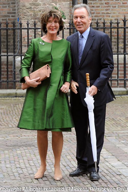 Aankomst van Kamerleden bij de Ridderzaal voor Prinsjesdag in Den Haag<br /> <br /> Op de foto :<br /> <br /> <br />  Elco Brinkman en partner