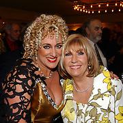 Radio 2 Gala vh Nederlandse Lied 2005, Karin Bloemen en Willeke Alberti