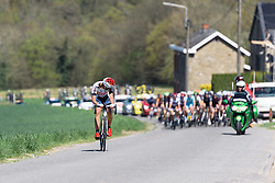 Distanced by the breakaway, Katia Ragusa (Servetto Footon) prepares to be caught by the chasing pack.