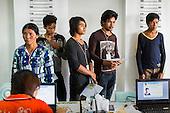 Cambodian Migrants Return to Thailand