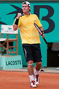 Roland Garros. Paris, France. 25 Mai 2010..Le joueur australien Lleyton HEWITT contre Jeremy CHARDY...Roland Garros. Paris, France. May 25th 2010..Australian player Lleyton HEWITT against Jeremy CHARDY...