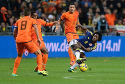 19-11-2013 VOETBAL: NEDERLAND - COLOMBIA: AMSTERDAM<br /> Nederland speelt met 0-0 gelijk tegen Colombia / Carlos Sanchez , Memphis Depay<br /> ©2013-FotoHoogendoorn.nl