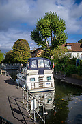 Maidenhead, Berkshire, United Kingdom, Thursday,  14/10/2021,  General View, Cruiser in Boulters Lock, Thames Valley, [Mandatory Credit; Pete Spurrier],