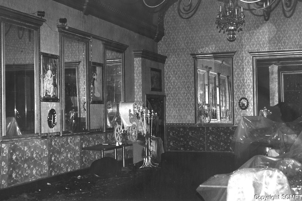 1987 The day after the fire that destroyed The Brown Derby