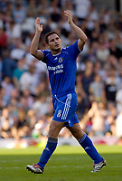 Photo: Daniel Hambury.<br />Fulham v Chelsea. The Barclays Premiership. 23/09/2006.<br />Chelsea's Frank Lampard applauds the fans at the end of the game.