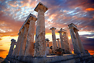 The Greek Doric Temple of Aphaia (500BC).  Aegina, Greek Saronic Islands .<br /> <br /> If you prefer to buy from our ALAMY PHOTO LIBRARY  Collection visit : https://www.alamy.com/portfolio/paul-williams-funkystock/aegina-greece.html <br /> <br /> Visit our ANCIENT WORLD PHOTO COLLECTIONS for more photos to download or buy as wall art prints https://funkystock.photoshelter.com/gallery-collection/Ancient-World-Art-Antiquities-Historic-Sites-Pictures-Images-of/C00006u26yqSkDOM