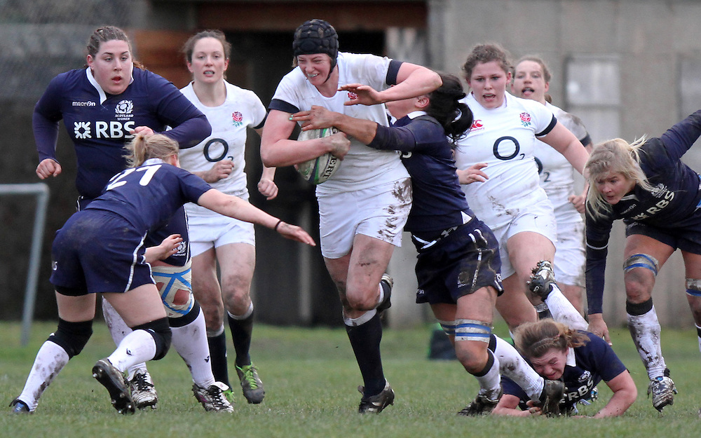 Emily Braund in action. Scotland Women v England Women in the Six Nations 2014 at Rubislaw, Aberdeen, Scotland on Sunday 9th February 2014, kick off 1400