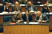 """05 FEB 1998, BONN/GERMANY:<br /> Theo Waigel, CSU, Bundesfinanzminister, Klaus Kinkel, FDP, Bundesaußenminister, Helmut Kohl, CDU, Bundeskanzler, Debatte """"Nichtraucherschutz"""", Deutscher Bundestag<br /> IMAGE: 19980206-03/01-28"""