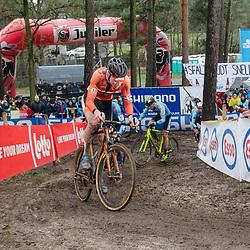 31-01-2016: Wielrennen: WK cyclecross elite: Heusden Zolder<br /> HEUSDEN-ZOLDER (BEL) cyclocrossOp het circuit van Terlamen-Zolder streden de elite veldrijders om de mondiale titels in het veld.  <br /> Mathieu van der Poel