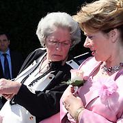 NLD/Laren/20070829 - Huwelijk Willibrord Frequin en Susanne Rastin, schoonmoder, moeder Susan