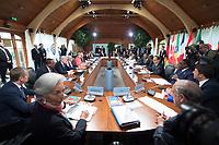 08 JUN 2015, ELMAU/GERMANY:<br /> Christine Lagarde, Direktorin IWF, Donald Tusk, Praesident des Europaeischen Rates, Jacob Zuma, Praesident Suedafrika, Stephen Harper, Premierminister Kanada, Beji Caid Essebsi, Praesident Tunesien, Angela Merkel, Bundeskanzlerin Deutschland, Haider al-Abadi, Ministerpraesident Irak, David Cameron, Premierminister Vereinigtes Koenigreich, Ban Ki-moon, Generalsekretaer Vereinte Nationen, Grossbritannien, Jean Claude Juncker, Praesident Europaeische Kommission,  Guy Rider, Generaldirektor ILO, Roberto Azevedo, Generaldirektor WTO, Jim Kim, Weltbank, Nkosazana Dlamini-Zuma, Vorsitzende der Kommission der Afrikanischen Union, Shinzo Abe, Premierminister Japan, Ellen Johnson Sirleaf, Praesidentin Liberia, Barak Obama, Praesident der USA, Muhammadu Buhari, Praesident Nigeria, Francois Hollande, Praesident Frankreich, Macky Sall, Praesident Senegal, Matteo Renzi, Ministerpraesident Italien, Jose Angel Gurria, Generalsekretaer OECD, (v.L.n.R. im Uhrzeigersinn), vor Beginn der Sitzung der G7-Regierungschefs mit Vertretern afrikanischer Staaten (den sog. Outreach-Staaten) und internationaler Organisationen zu den Themen Entwicklungszusammenarbeit, Frauen und Gesundheit,<br /> Schloss Elmau<br /> IMAGE: 20150608-01-034<br /> KEYWORDS: Garmisch-Patenkrichen, Übersicht, overall view, G7 Summit