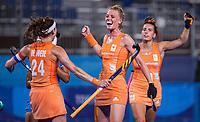 TOKIO -  Caia Van Maasakker (NED) heeft gescoord en viert het met Eva de Goede (C) (NED) en Frédérique Matla (NED) tijdens de wedstrijd dames , Nederland-India (5-1) tijdens de Olympische Spelen   .   COPYRIGHT KOEN SUYK