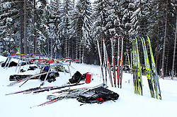 31.12.2011, DKB-Ski-ARENA, Oberhof, GER, Viessmann Tour de Ski 2011, FIS Langlauf Weltcup, Verfolgung Damen, im Bild Ski und Wachsstationen an der Strecke/ Feature // during pursuit Women of Viessmann Tour de Ski 2011 FIS World Cup Cross Country at DKB-SKI-Arena Oberhof, Germany on 2011/12/31. EXPA Pictures © 2011, PhotoCredit: EXPA/ nph/ Hessland..***** ATTENTION - OUT OF GER, CRO *****