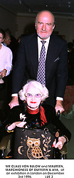 MR CLAUS VON BULOW and MAUREEN, MARCHIONESS OF DUFFERIN & AVA,  at an exhibition in London on December 3rd 1996.               LUE 3