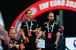 (L-R) Ass. Coach Ricardo Clarijs of Netherlands, Coach Emmanuel Mayonnade of Netherlands in action during the Women's EHF Euro 2020 match between Netherlands and Hungry at Sydbank Arena on december 08, 2020 in Kolding, Denmark (Photo by RHF Agency/Ronald Hoogendoorn)