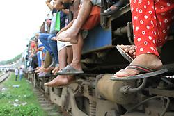 June 22, 2017 - Dhaka, Bangladesh - Bangladeshi travelers are ride on an over-crowded to go home to celebrate Eid-ul-Fitr holyday with their family in Dhaka, Bangladesh on June 22, 2017. (Credit Image: © Rehman Asad/NurPhoto via ZUMA Press)
