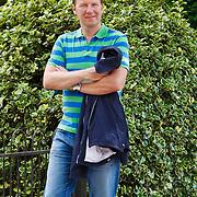 NLD/Laren/20100612 - AT5 verslaggever Frank Awick en partner