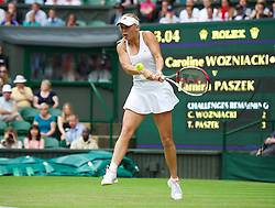 27.06.2012, Wimbledon, London, GBR, WTA, The Championships Wimbledon, im Bild xxxx during the Ladies' Singles 1st Round match on day three of the WTA Tour Wimbledon Lawn Tennis Championships at the All England Lawn Tennis and Croquet Club, London, Great Britain on 2012/06/27. EXPA Pictures © 2012, PhotoCredit: EXPA/ Propagandaphoto/ David Rawcliff..***** ATTENTION - OUT OF ENG, GBR, UK *****