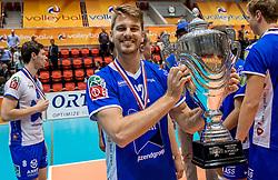 02-10-2016 NED: Supercup Abiant Lycurgus - Coniche Topvolleybal Zwolle, Doetinchem<br /> Lycurgus wint de Supercup door Zwolle met 3-0 te verslaan / Mikelis Berzins #12 of Lycurgus