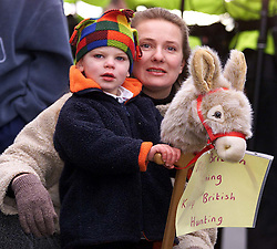 Boxing Day Hunt in Maldon, Essex. .The Essex farmers hunt starts in Maldon High St. 2000, December 28, 2000..Photo by Andrew Parsons/i-Images....