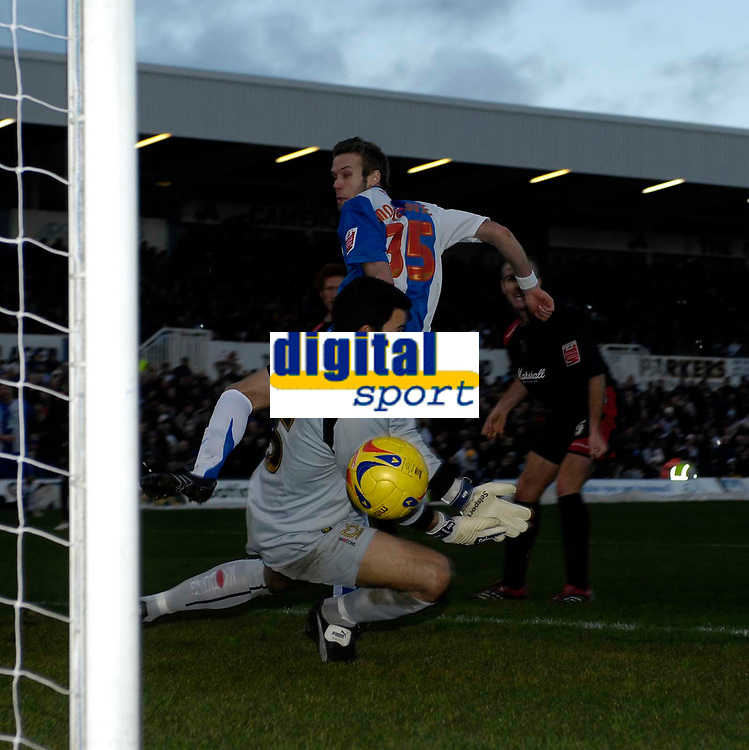Photo: Jed Wee/Sportsbeat Images.<br /> Hartlepool United v Milton Keynes Dons. Coca Cola League 2. 13/01/2007.<br /> <br /> Hartlepool's Andy Monkhouse sees a header beat MK Dons goalkeeper Lee Harper but go narrowly wide.