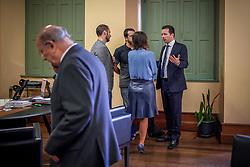 O Prefeito Nelson Marchezan Junior em reunião com Reginaldo da Luz Pujol, comandante Nádia e integrantes do DEM no parlamento municipal. FOTO: Jefferson Bernardes