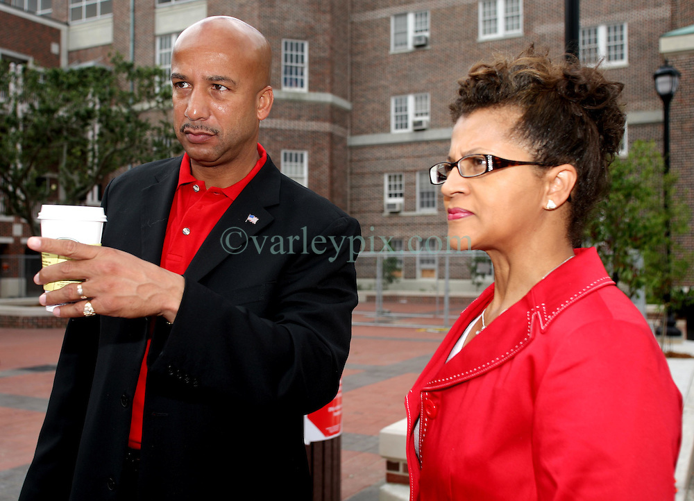 April 22nd, 2006. New Orleans, Louisiana. Voting day. Ray Nagin with his wife Seletha at Jesuit High School in mid city.<br /> Photo; Charlie Varley/varleypix.com