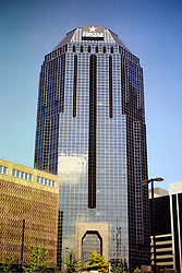 2001 September: Firstar Bank Building in Downtown Nashville Tennessee..This image was scanned from a print.  Image quality may vary.  Dust and other unwanted artifacts may exist.