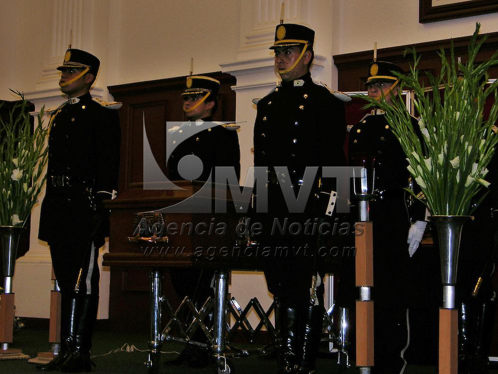 Toluca, Mex.- La Universidad Autonoma del Estado de Mexico rinde homenaje a Juan Josafat Pichardo Cruz, pimer rector y precursor de la autonomia de esta institucion, quien fallecio el dia de ayer. Agencia MVT / Ginarely Valencia Alcantara. (DIGITAL)<br /> <br /> <br /> <br /> <br /> <br /> <br /> <br /> NO ARCHIVAR - NO ARCHIVE
